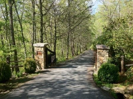 Gated entrance - Summer Cove - Glenville - rentals