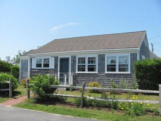 Heavenly 2 Bedroom/1 Bathroom House in Nantucket (9740) - Image 1 - Nantucket - rentals