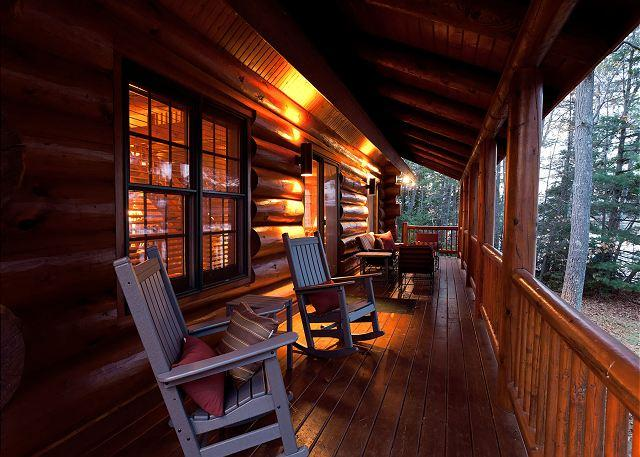 Covered Porch Overlooking The Lake - The Island View Lodge Private Vacation Rental Home - Eagle River - rentals
