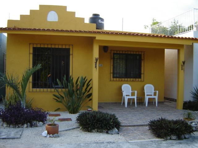 Enjoy the view from the front patio ... our favorite spot - Cozy Casa near Akumal~Walk to Beach~A/C~Internet - Akumal - rentals