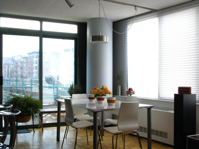 Dining Area - SPACIOUS 2BR/2 BATH (w/ Private Balcony, Doorman) - New York City - rentals
