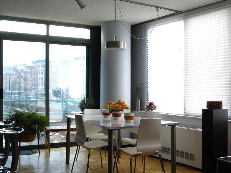 Dining Area - SPACIOUS 2BR/2 BATH (w/ Private Balcony, Doorman) - New York City - rentals