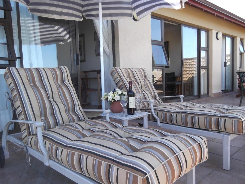Fairways Luxury Apartment - Image 1 - Mossel Bay - rentals