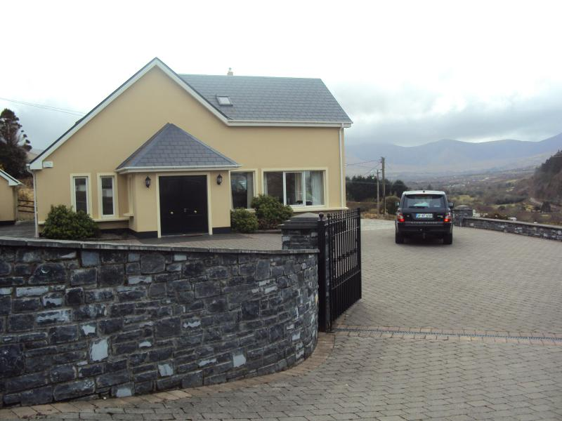 Castle View House - Castle View House ,Ring of Kerry, sleeps 12 Luxury - Glenbeigh - rentals