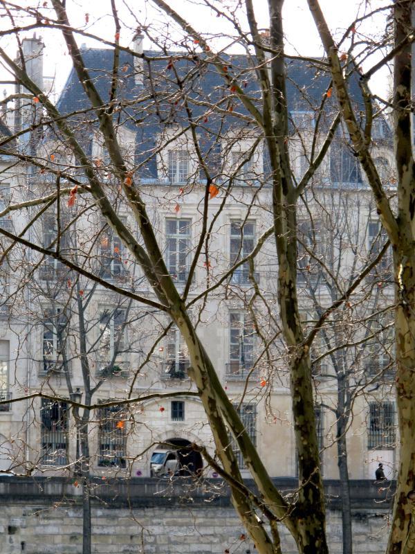 Facade - Elegant Ile Saint Louis Apartment Rental in Paris - Paris - rentals