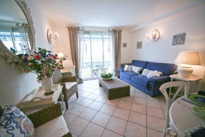 Palais des Fleurs, Excellent 2 Bedroom Cannes Apartment near Palais des Fleurs - Image 1 - Cannes - rentals