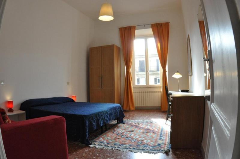 Camera 2 - Bed Room 2 - Spacious quiet apartment in the heart of Rome - Rome - rentals