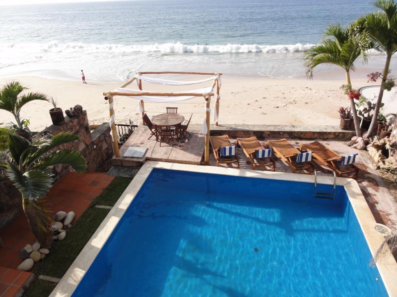 Pool and Beach - Beachfront Luxury Villa best area of P. Vallarta - Puerto Vallarta - rentals