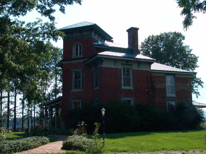 Main House Front Entrance Walkway - Historic Italianate, Spectacular Mountain View - Amherst - rentals