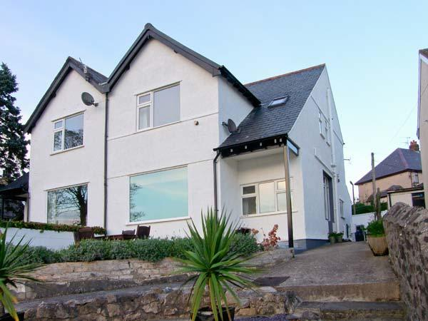 FAIRWAY, DEGANWY COTTAGE, pet friendly, with a garden in Deganwy, Ref 4242 - Image 1 - Deganwy - rentals