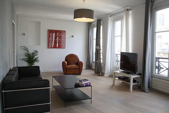 Charming 2 BR/2 BA Louvre Rue Coq Heron - Image 1 - Paris - rentals
