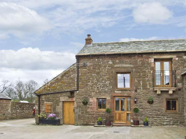 SWALLOW'S NEST, family friendly, character holiday cottage in Penrith, Ref 4231 - Image 1 - Penrith - rentals