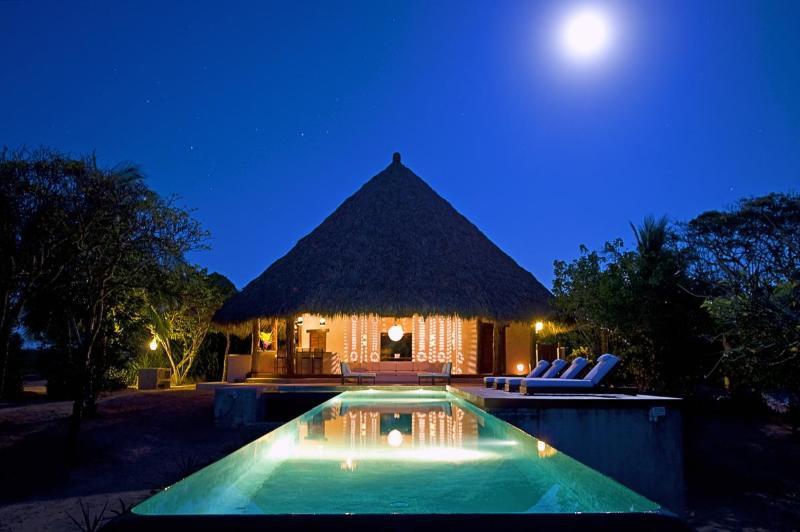 Cangrejo y Toro - CANGREJO y TORO  ....  New Oceanfront Luxury Villa - Troncones - rentals