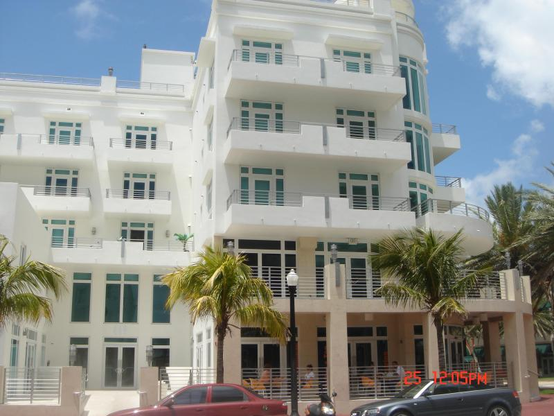 View of Ocean Five Building from Ocean Drive - Luxurious Oceanfront Condo in SoBe (Miami Beach) - Miami Beach - rentals