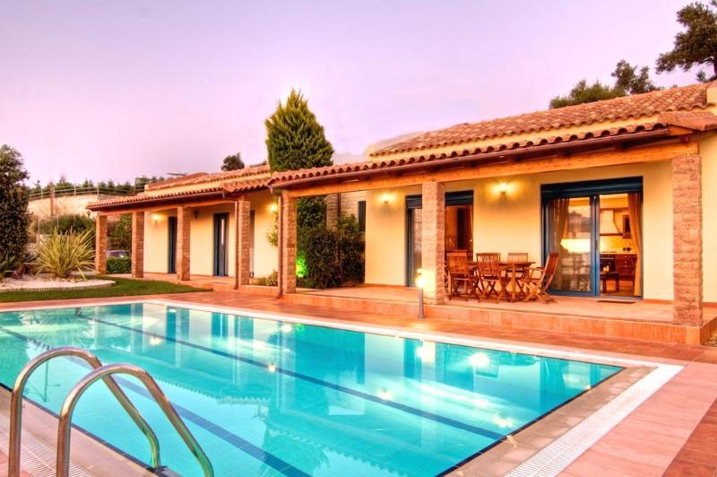 Villa Givera - Luxury & Privacy - Image 1 - Rethymnon - rentals
