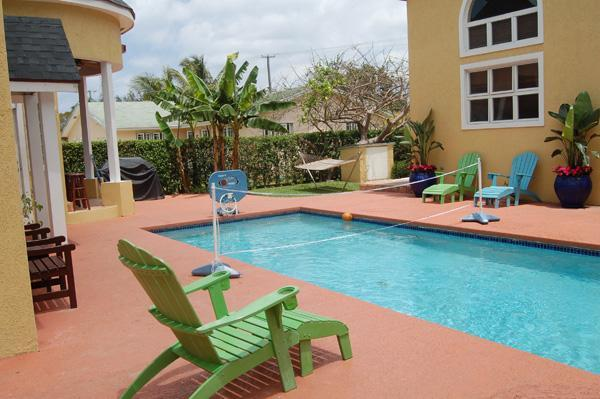 Poolside - Brownstone's Sunrise Suite - Nassau - rentals