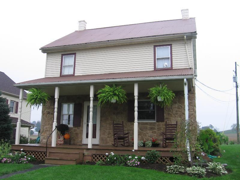 Valley Brook Vacation Home - Valley Brook Farm - Perfect for family or couple - East Earl - rentals