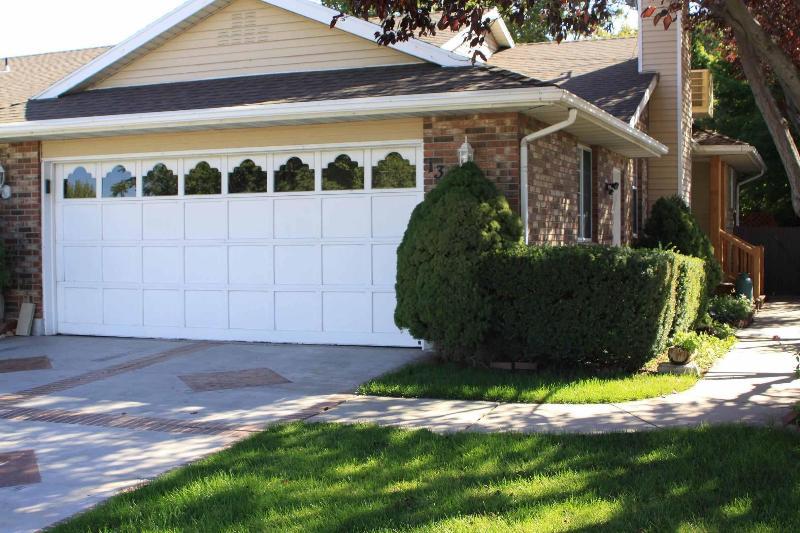 Exterior front - 5 bedroom 3 bath townhouse in Cottonwood Heights - Cottonwood Heights - rentals