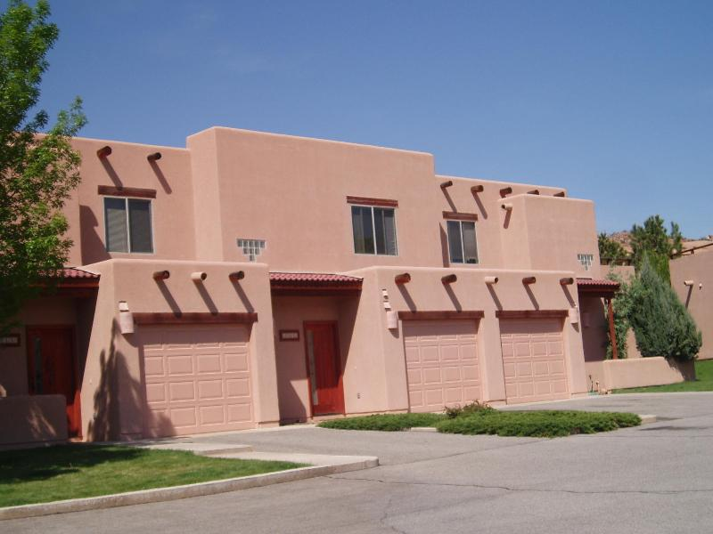 Front of the condo - Family friendly condo in Moab by the golf course - Moab - rentals