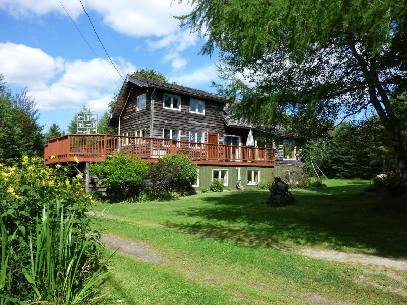 House surrounded by nature - Peace haven in the mountains setting - Sutton - rentals