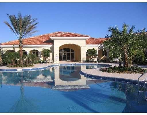 Clubhouse/Pool - Vacation in the warmth and luxury of Harbour Isle! - Hutchinson Island - rentals