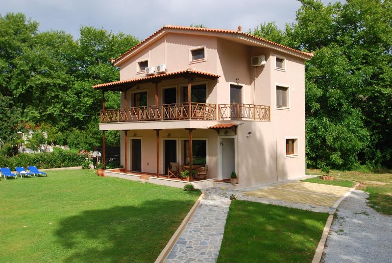 3 bedroom Luxury Villa Jasmin.Ideal  for families - Image 1 - Skiathos - rentals