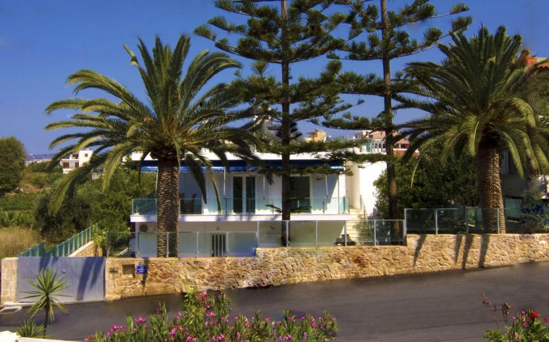 Luxury Family Villa, steps from seaside & village - Image 1 - Crete - rentals