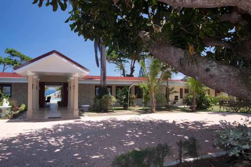 Seven Seas Villa: Deluxe Waterfront Property - Image 1 - Ocho Rios - rentals