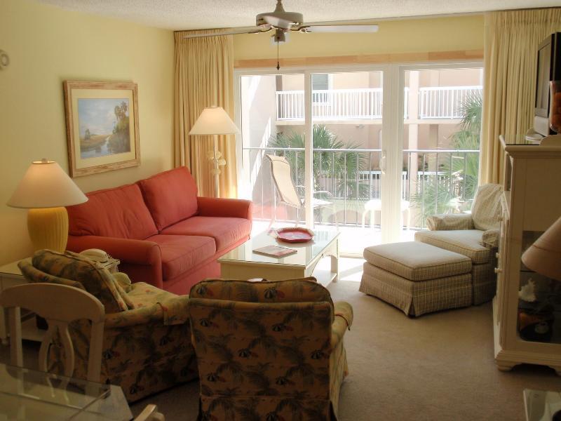 Comfortable & luxurious living room - seating for 6, flat screen TV, DVD,VCR - Best Oceanfront Resort! Beach Club 231! $1465 wk!! - Saint Simons Island - rentals
