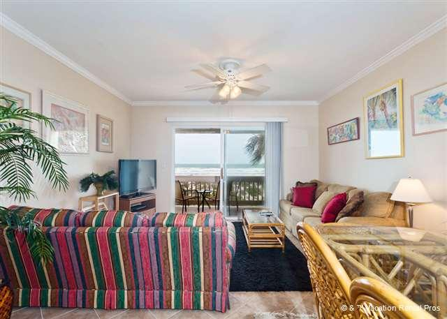 Casual Four Winds E10 condo living promotes easy-going lifestyle - Four Winds E10, Beach Front, 3 Bedrooms, 2 Pools - Sleeps 10 - Saint Augustine - rentals