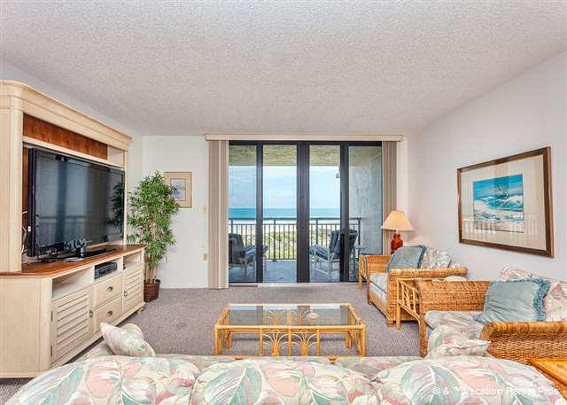 "24-hour a day beautiful views at Barefoot Trace! - Barefoot Trace 302, 3rd Floor OceanFront, 55"" HDTV, pool - Crescent Beach - rentals"