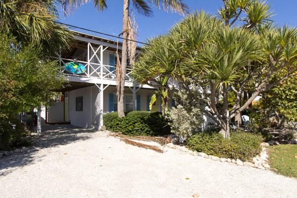 Blue Dolphin Inn - Skimmer Down - Image 1 - Anna Maria - rentals