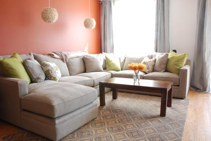 Super comfy down wrapped couch - Venice Renaissance - Santa Monica - rentals