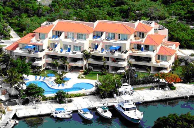Portobello Private Residences - WATERFRONT CONDO - UPSCALE PRIVATE RESORT -  VIEWS - Puerto Aventuras - rentals