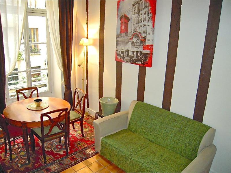 Dinner Room - Cozy Apartment on Saint Louis Island Near Notre Dame - Paris - rentals