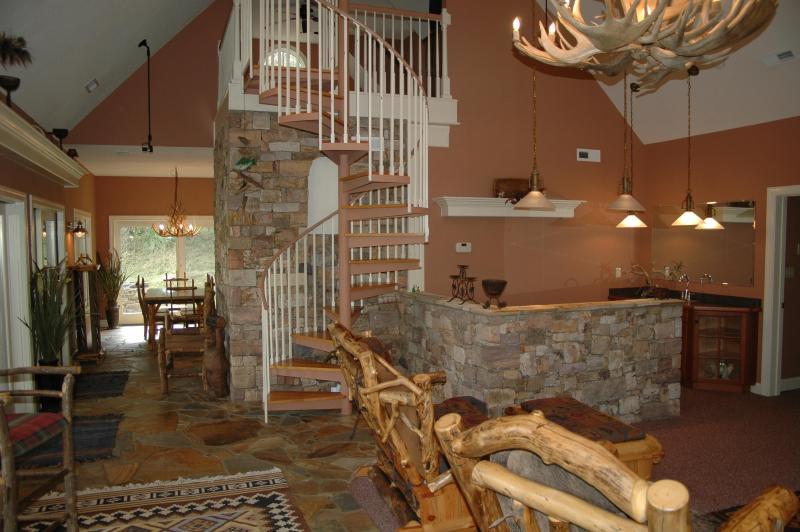 great room - Mountain Pond House - Rockbridge Baths - rentals