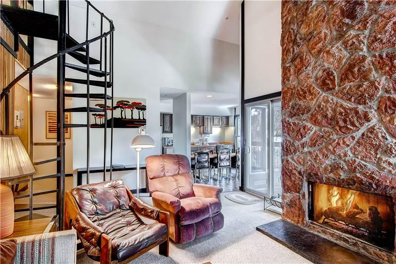 SKI IN-SKI OUT,  2 + LOFT SKI WATCH CONDO - Image 1 - Breckenridge - rentals