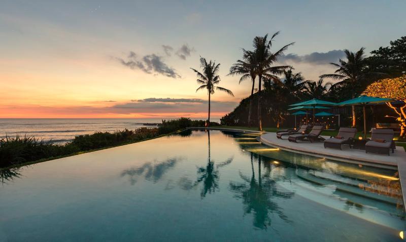 Sunset at Jagaditha - Beach Front 6bdrm Luxury Villa Jagaditha Canggu Bali - Bali - rentals