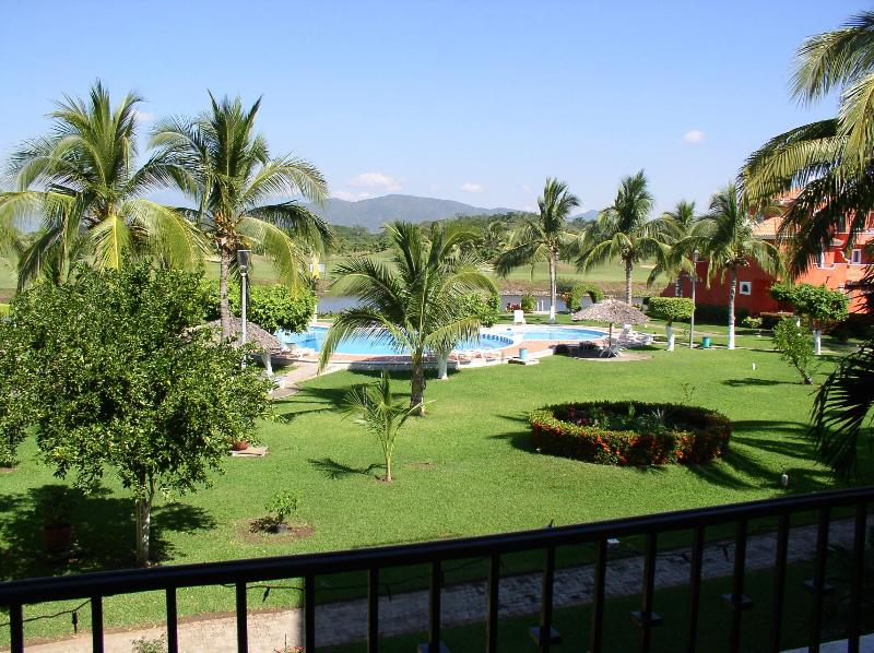 Pool - Luxury 4 Bdr/4ba Condo View of Ocean &Golf Course - Ixtapa - rentals