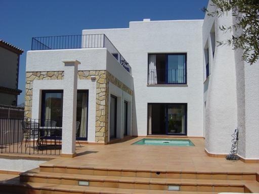 Villa Miami Platja villa in Tarragona Spain, Villa to let near Miami Platja beach, vacation home near Sitges Spain - Image 1 - Miami Platja - rentals
