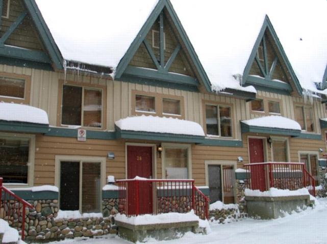 Big White 2 Bedroom, 3 Bathroom Condo (#28 - 7640 Porcupine Road TREETP28) - Image 1 - Big White - rentals
