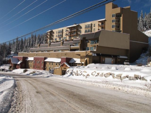 Nice Condo with 1 Bathroom in Big White (#802 - 7470 Porcupine Road MOGUL802) - Image 1 - Big White - rentals