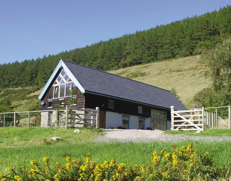 Cwm Broadwell Barn - Large luxurious 5* Cwm Broadwell Barn & hot tub - New Radnor - rentals