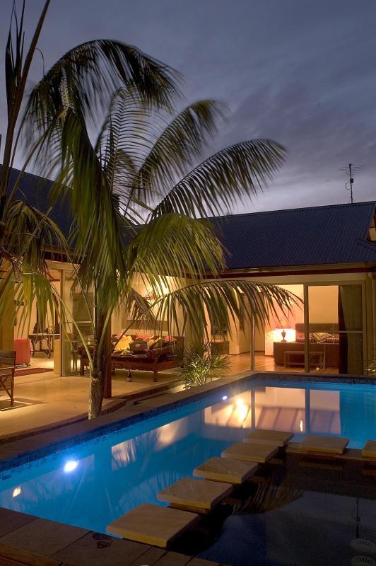 Villa at night - Byron Villa - Byron Bay - rentals