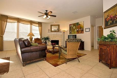 Living Area - $329/NT Upscale 2s, 5-bd Hm Nr Cowboys Stdm + WiFi - Dallas - rentals