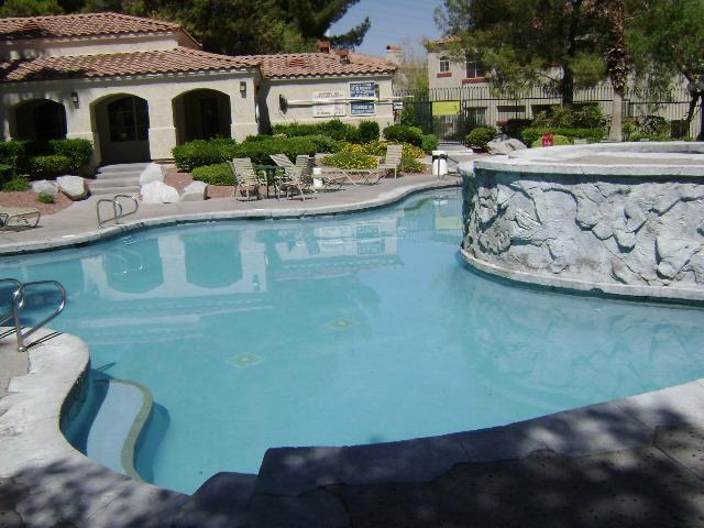 Beautiful Pool and Spa area - Lovely 3 bedroom upper unit Condo (2nd floor) - Las Vegas - rentals