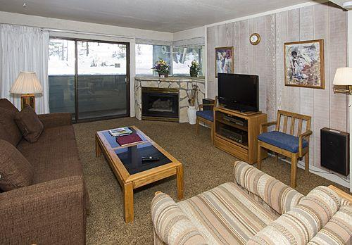 Picturesque House with 1 BR & 1 BA in Mammoth Lakes (St. Anton #59) - Image 1 - Mammoth Lakes - rentals