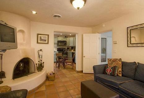 Cozy Den with pull out sofa - Casas De Guadalupe - Casita B - Santa Fe - rentals