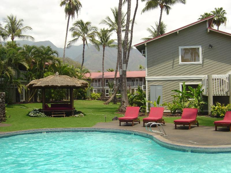 Small Pool - Great Location! Beautiful Ground Floor End Unit - Lahaina - rentals