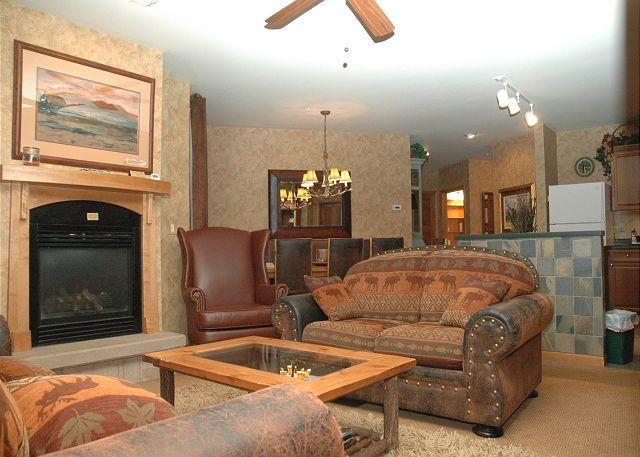 Living Area w/Sofa Sleeper & Gas Fire Place - Ski in Ski out Riverside building three bedroom at the Zephyr Mountain Lodge. - Winter Park - rentals